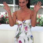 Monica_Bellucci_Cannes_Photo_Call_2002_Rita_Molnár_Wikimedia