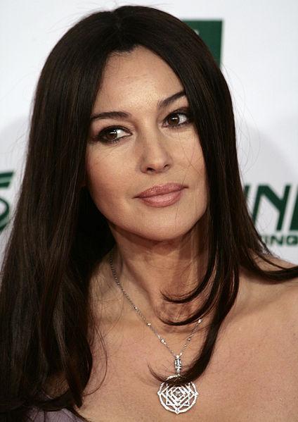 Monica_Bellucci,_Women's_World_Awards_2009_b_Manfred_Werner_Tsui_Wikimedia