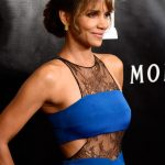 Halle-Berry-HFP-Noam-Hanoch-Blue-Lace-Dress