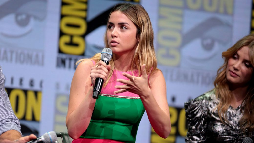 Ana_de_Armas_Blade_Runner_2049_Press1_Wiki_Commons_1280px