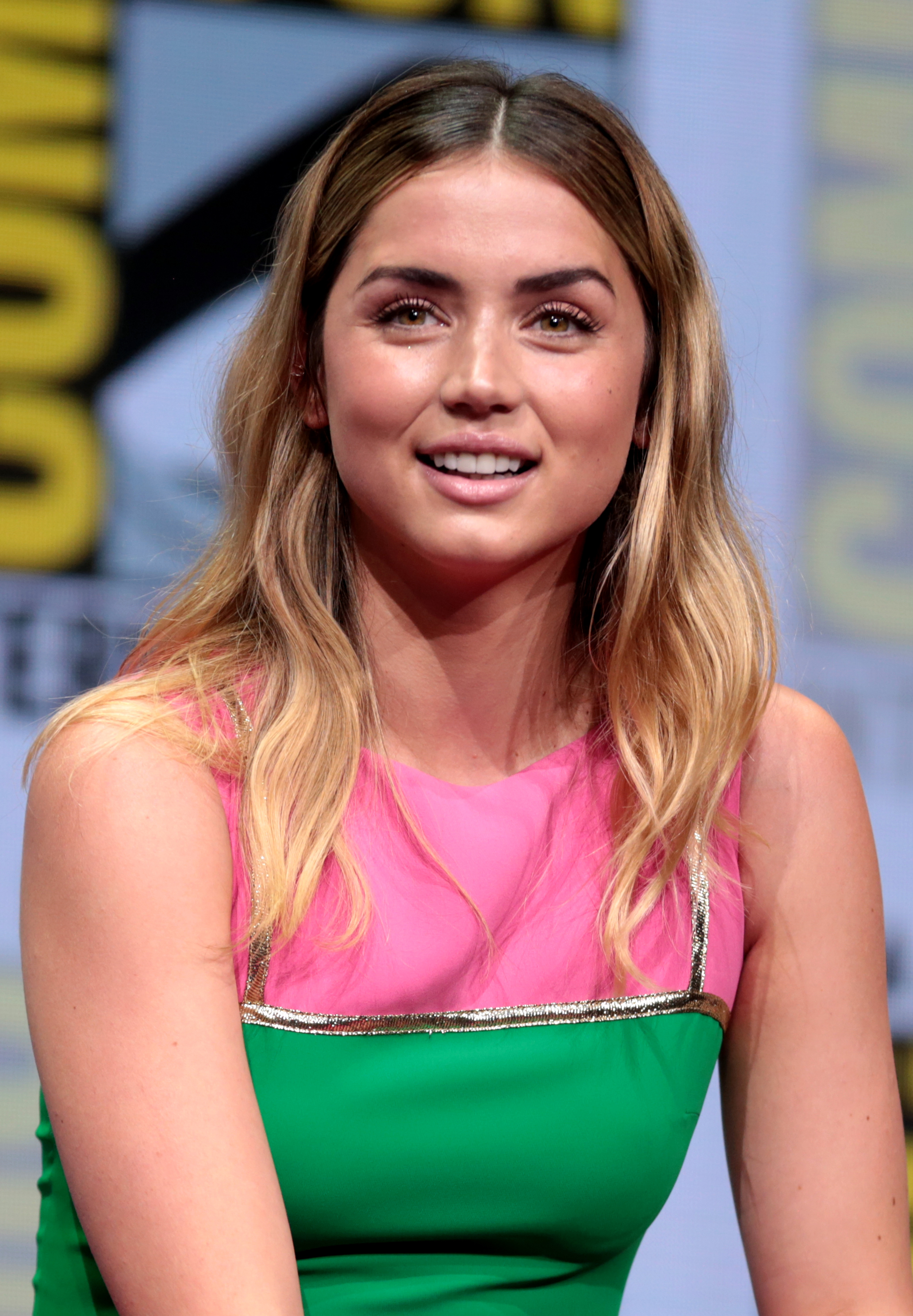 Ana de Armas speaking at the 2017 San Diego Comic-Con
